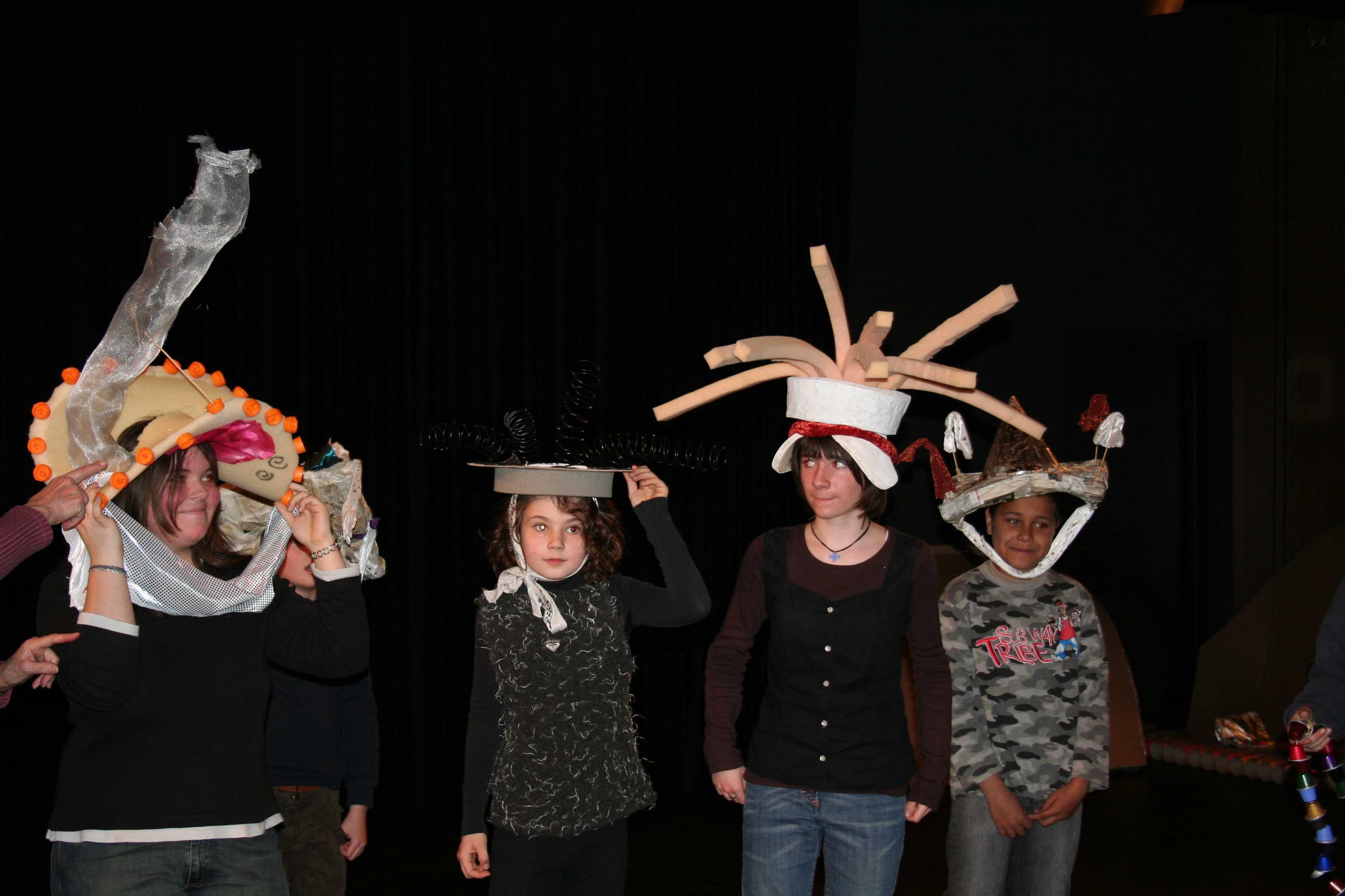 Hüte für den Triumph des Recycling